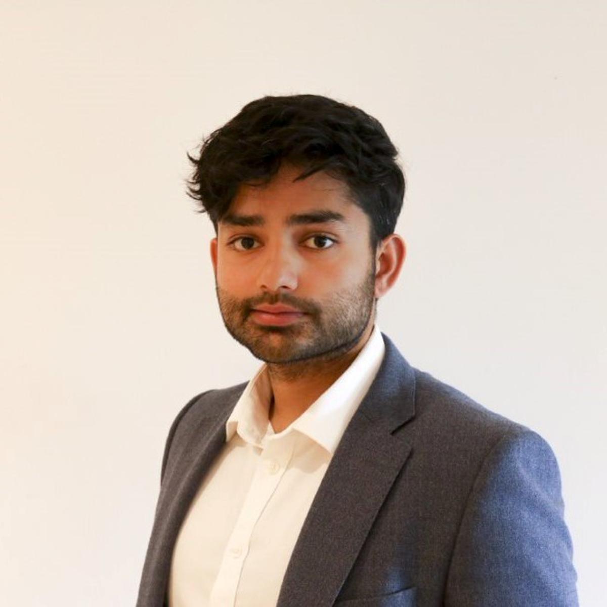 Darius Singh - headshot
